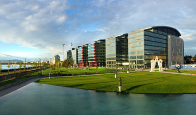 Heitman se consolida en las torres millenium de hungr a for Vodafone oficinas barcelona
