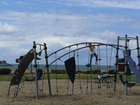 los parques y reas de juegos infantiles ayudan a reducir la tasa de obesidad