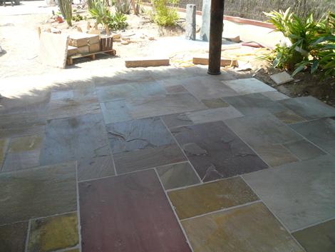 Pavimentos para jard n combinaci n de practicidad y - Suelos antideslizantes exterior ...