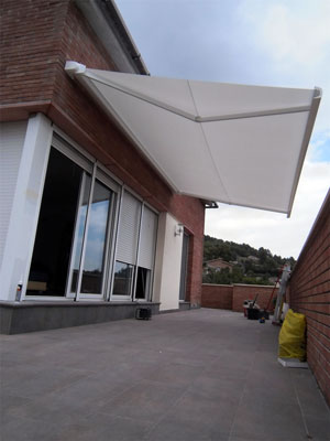 Cerramientos de cristal cerramientos de cristal for Toldos plegables para terrazas