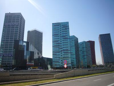 El alquiler de oficinas en madrid y barcelona se sit a a for Oficinas de mrw en madrid