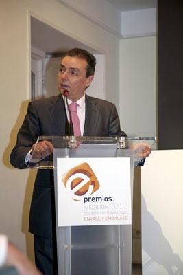 Optimismo de cara al futuro en la iv entrega de premios for Salvador navarro