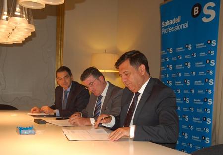 Sabadell cam facilita la financiaci n a m s de 800 for Oficinas sabadell cam en valencia