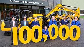 Foto de JCB celebra un importante hito con la producción de su miniexcavadora número 100.000