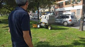 Foto de Suministros Ilaga entrega una nueva unidad Walker, modelo T, a Jardiners de Sant Adrià (JASA)