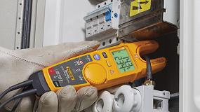 Foto de Los comprobadores eléctricos T6 de Fluke con tecnología FieldSense permiten detectar la tensión y la corriente, sin cables de prueba