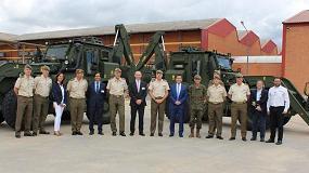 Foto de Walkia entrega dos retroexcavadoras blindadas JCB HMEE al ejercito español