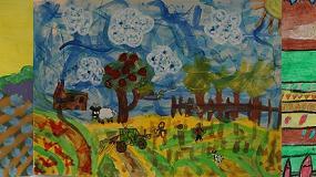 Foto de Dos niñas de Ourense y Palencia y un niño de Navarra, triunfadores del Certamen Fertiberia de Pintura Rural Infantil
