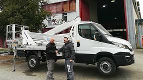 Foto de Transgrúas entrega una plataforma MX250 a una empresa madrileña