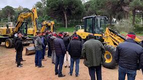 Foto de Aurteneche presenta a su red de distribuidores la gama Yanmar de cargadoras y excavadoras de ruedas