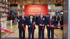 Foto de Vanderlande con FastPick junto a Toyota MH en el CeMAT más innovador