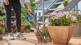 Foto de Gardena lanza el nuevo aspirador de mano con batería para jardín EasyClean