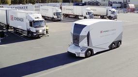 Foto de DB-Schenker prueba el camión autónomo sin cabina de Einride con tráfico