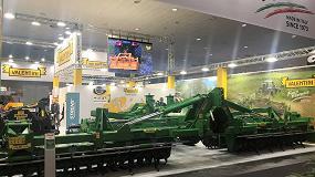 Foto de Valentini estrena dos implementos de 12 metros de anchura de trabajo