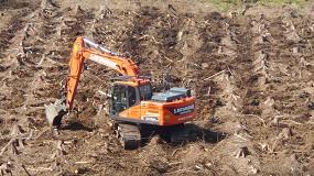 Foto de Nuevas excavadoras de orugas elevadas de Doosan para un contratista forestal escocés