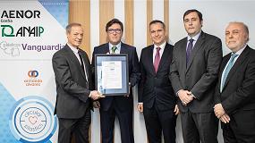 Foto de Aenor entrega el primer certificado de porcentaje de uso de plástico reciclado posconsumo a Plásticos Vanguardia
