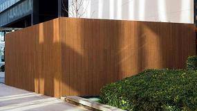 Foto de Tarima de bambú Dasso de Gabarró, una solución perfecta para aplicaciones exteriores de edificios de servicios