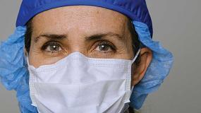 Foto de Trabajadoras sanitarias: trabajo sin descanso en hospitales y en el hogar