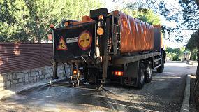 Foto de Visever, empresa asociada a Acex, adecúa vehículos de conservación para desinfectar vías públicas
