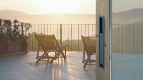 Foto de Hoppe diseña Austin, manilla plana para puerta corredera elevable