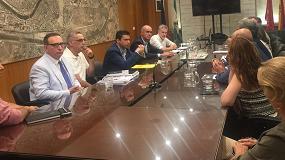 Foto de Sevilla prohibe la instalación de gasolineras a menos de 50 metros de un edificio residencial o equipamiento
