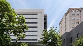 Foto de Novo Hospital da Estrela aposta em revestimentos Equitone para a fachada