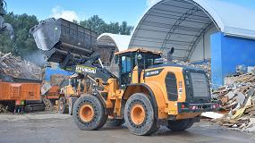 Foto de BTU Hartmeier renueva su flota de gestión de residuos con la cargadora HL960A de Hyundai