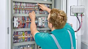 Foto de RS Components dispone de la gama Complete line de Phoenix Contact para armarios de control