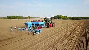 Foto de Lemken demuestra en maíz las ventajas del sistema DeltaRow frente a la siembra convencional