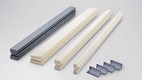 Foto de Sistema de caixilhos isolantes: para a montagem de janelas no mesmo plano de isolamento e a sua integração nos SATE (ficha de produto)
