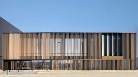 Foto de Lamas de protección solar Cortizo en un proyecto de arquitectura industrial en Polonia