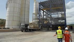 Foto de Método de utilización de aditivos y ensayos en plantas de pasta para el relleno de grandes cavidades en minería
