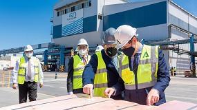 Foto de El presidente de la Junta de Andalucía visita el complejo metalúrgico de Atlantic Copper en Huelva