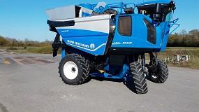Foto de Braud 11.90X Multi: máquina de colheita cavalgante da New Holland