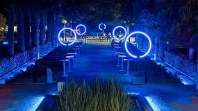 Foto de Urafiki: una experiencia inmersiva de luz en los jardines del Teatre Grec de Barcelona