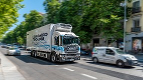 Foto de Scania prueba el primer camión híbrido enchufable en España de la mano de Acotral y Mercadona