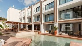 Foto de Nativo Hotel Ibiza, minimalismo sostenible con cerramientos Technal
