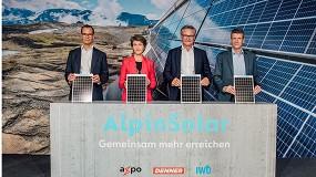 Foto de La planta solar alpina más grande de Suiza comienza a producir electricidad