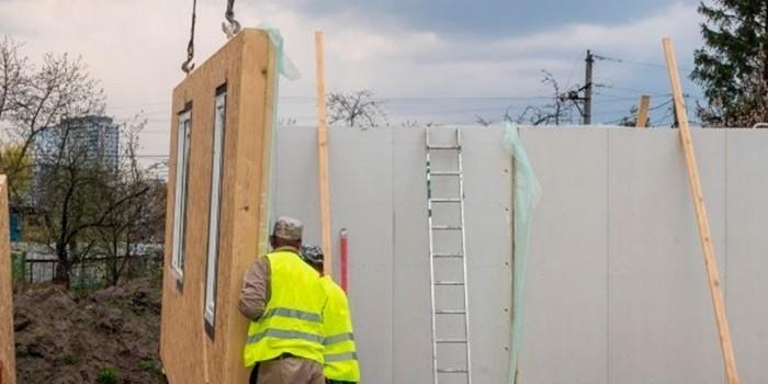 Costes más bajos versus riesgos más altos: el dilema de la industrialización de la construcción