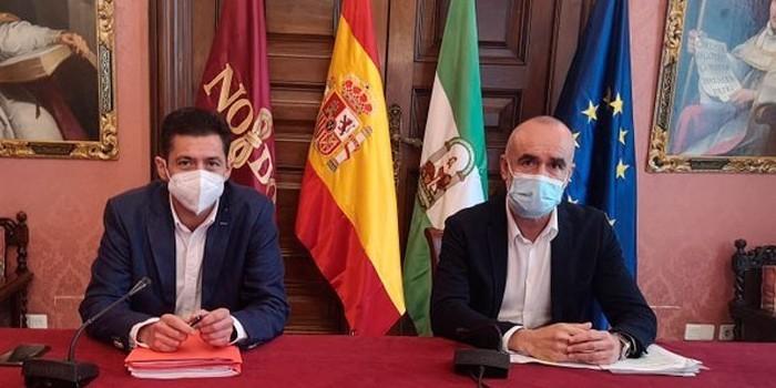Sevilla aprueba un plan de 30 millones de euros para mejoras en calzadas, acerados y espacios públicos