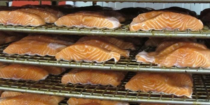 Envasado de productos de pescado mediante suministro centralizado de vacío
