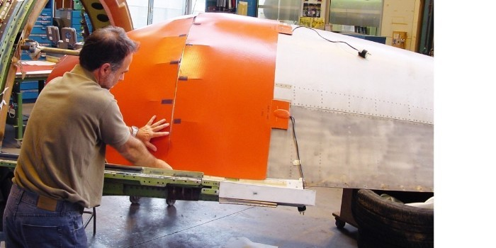 Un nuevo material reducirá de días a minutos la reparación en piezas de aeronáutica