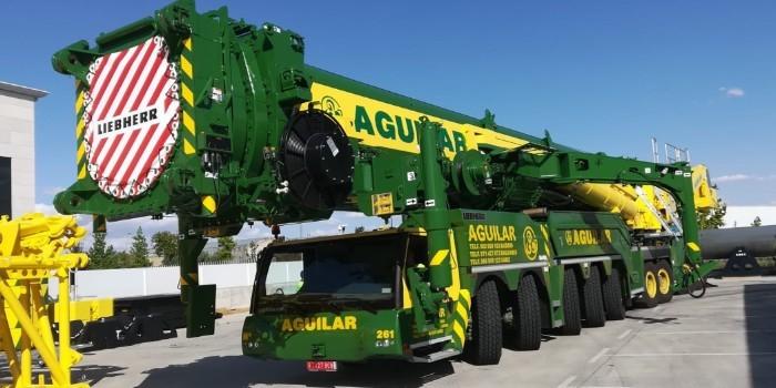 Grúas Aguilar apuesta fuerte por el sector eólico con la adquisición de la imponente LTM 11200-9.1 de Liebherr