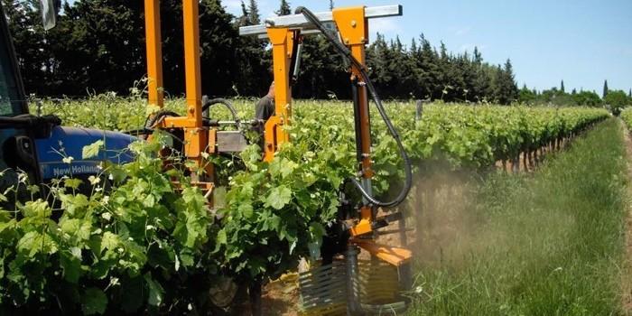 Maquinaria específica para el cultivo del viñedo en espaldera