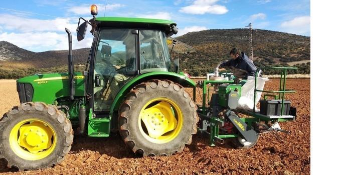 El sector agrario, la industria alimentaria y sus actividades relacionadas son servicios esenciales