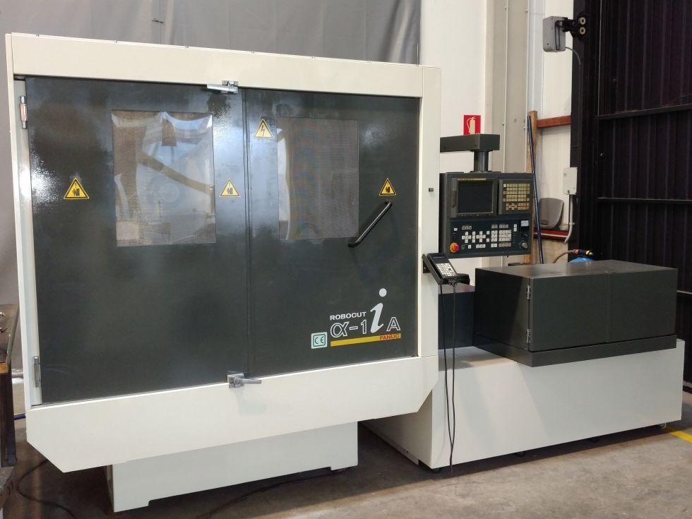 Máquina de electroerosión por hilo