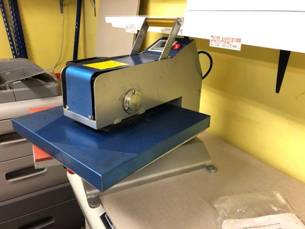 Prensa térmica giratoria