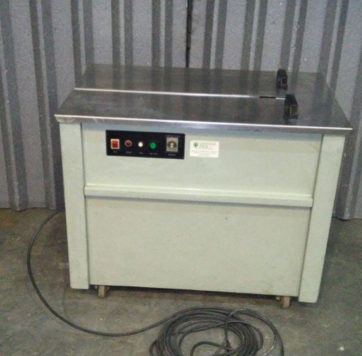 Flejadora de mesa semiautomática