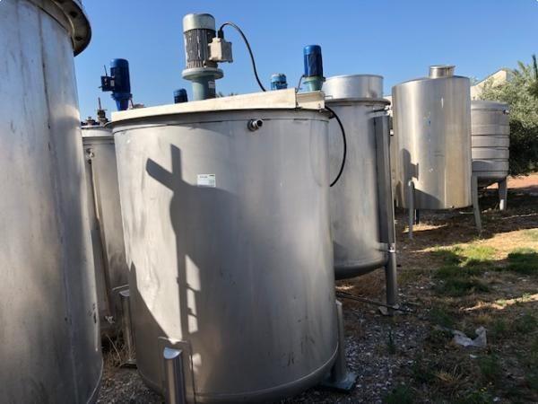 Depósitos 2.000 L con agitador ATEX construidos en acero inoxidable AISI316