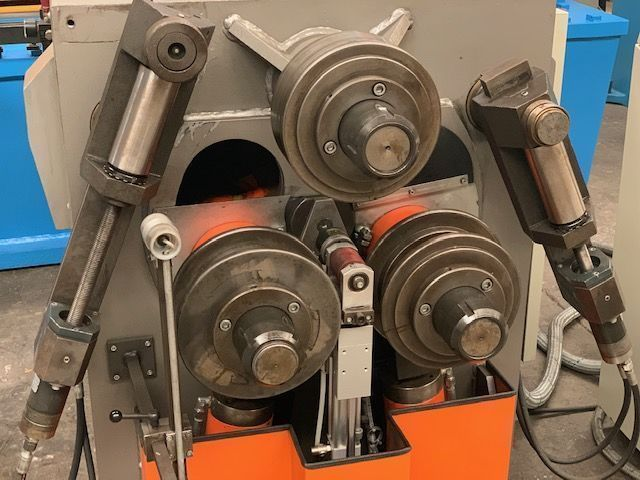 curvadora de perfiles con eje de 70 mm